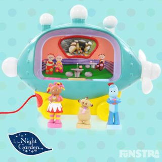The In the Night Garden Musical Activity Pinky Ponk blimp with figures allows little ones to explore songs, stories, counting and fun with sounds and lights, and moving pictures.