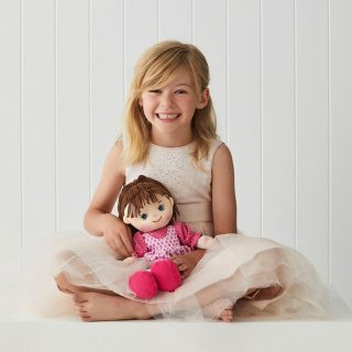 My Best Friends dolls and their in stunning detail and design are sure to put a smile on your little ones face with their sweet and happy faces and beautiful fashion style.