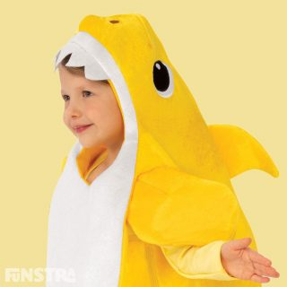 The Baby Shark outfit consists of a plush romper jumpsuit with cut-out hole for face and felt teeth and will be a popular costume as this musical Baby Shark costume plays the Baby Shark song.