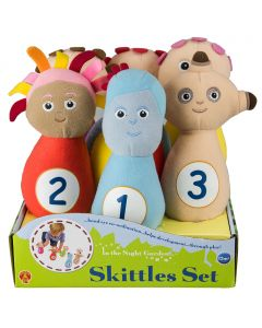 Play a classic game of skittles with Iggle Piggle, Makka Pakka, Upsy Daisy, the Tombliboos and a soft rattle ball.