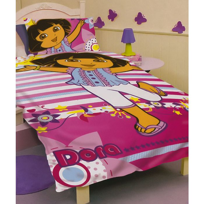 Hola! It's Dora and she's ready to explore and create a fun bedroom for toddler and preschool children.