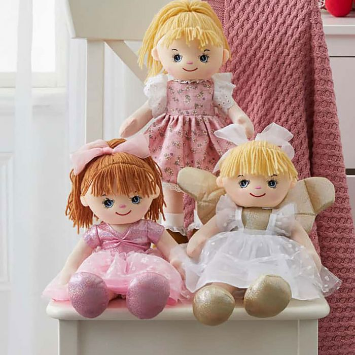 Amy and her best friends, Skye and Sophia, are adorably cute and will put a smile on your child's face.