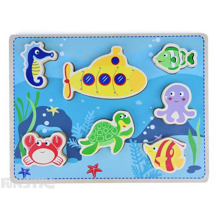Toddlers can learn and play with this wooden puzzle design that features life under the sea with a seahorse, crab, turle, fish, octopus and submarine.