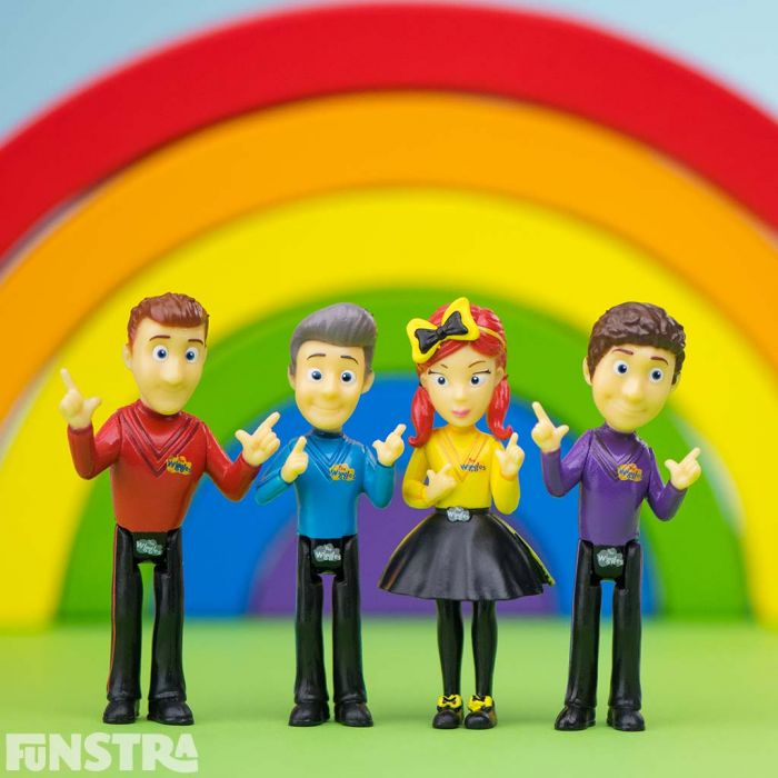 Have a wiggly day, singing and dancing with Simon, Anthony. Lachlan and Emma with these miniature Wiggles collectables, perfect for cakes and playtime fun!