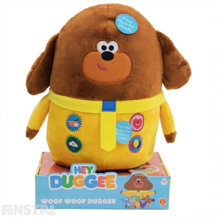 Press Duggee's badges to hear music and phrases from the show. The omelette badge plays super catchy exercise music, the balloon badge plays a party song, the rain dance badge plays a song to make it rain and press the hug badge for a Duggee hug!